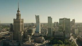 Varsavia, Polonia - 5 giugno 2019 Colpo aereo del centro urbano archivi video