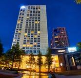 Varsavia, Polonia - 25 maggio 2016: Punto di vista di notte di Hilton Hotel sull'europeo - Europejski - quadrato Immagini Stock
