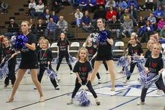 Varsity en Ondergeschikte Cheerleaders Stock Afbeeldingen