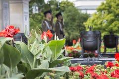 VARSOVIA, POLONIA - JULIO, 08: La tumba del soldado desconocido en el pi Imagen de archivo