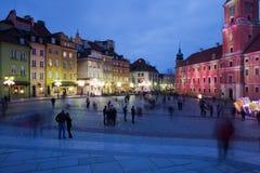 Varsovia por noche en la ciudad vieja Foto de archivo