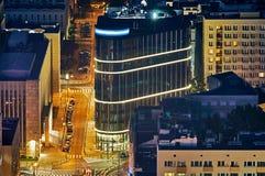 Varsovie, Pologne - 27 août 2016 : Vue panoramique aérienne au centre ville de la capitale polonaise par nuit, du palais supérieu Images stock
