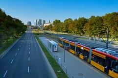 Varsovie, Pologne - 27 août 2016 : Vue panoramique du centre sur le coucher du soleil, avec le palais de la culture et de la Scie photographie stock libre de droits