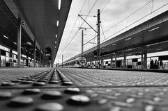 Varsovie, Pologne - 9 avril 2016 : Gare ferroviaire de Varsovie Stadion, située dans le secteur de Praga Poludnie photo stock