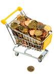 Vart d'achats avec d'euro pièces de monnaie Photos libres de droits