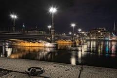 Vasabron (脉管桥梁)在晚上 免版税图库摄影