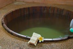 Vasca da bagno nella stanza della stazione termale. Fotografia Stock