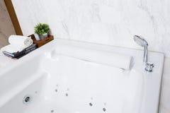 Vasca moderna della Jacuzzi Fotografie Stock
