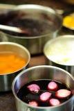Vaschetta nel cuoco unico \ 'nella cucina di s Fotografie Stock