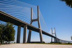 Vasco da Gama-Brücke lizenzfreie stockfotos