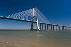 Vasco da Gama Bridge au Portugal Images libres de droits