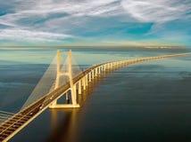 Vasco da Gama Bridge landskap på soluppgång En av de längsta broarna i världen Lissabon är en fantastisk turist- destination arkivfoto