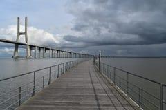 Vasco da Gama Bridge - Lisbonne, Portugal Images libres de droits