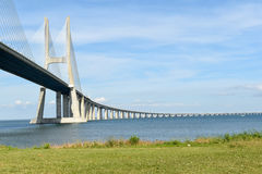 Vasco da Gama Bridge - Lisbonne, Portugal Images libres de droits