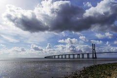Vasco da Gama-brug stock afbeelding