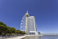Vasco da Gama Tower/oräkneligt hotell - Lissabon Arkivfoto