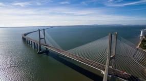 Vasco De Gama mosta widok z lotu ptaka Lisbon Portugalia Zdjęcia Stock