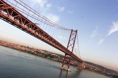 Vascoda Gama-Brücke an der Dämmerung Stockbilder