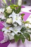 Vase à fleurs mis sur la table Images libres de droits