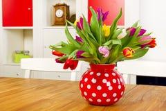 vase τουλιπών Στοκ φωτογραφία με δικαίωμα ελεύθερης χρήσης