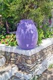 Vase au grec ancien de l'âge géométrique situé sur Sifnos Photo stock