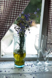 Vase avec des fleurs Images libres de droits