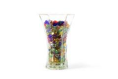 Vase complètement de gemmes en verre Photographie stock libre de droits