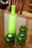 Vase und Kerzen lizenzfreies stockbild