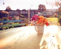 Vasen av blommor Arkivfoto