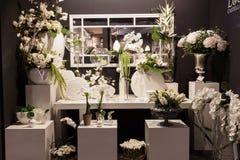 Vaser och blommor på det Macef hemmet visar i Milan Royaltyfri Fotografi