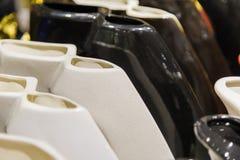 Vases abstraits en noir et blanc, fond des vases Photographie stock