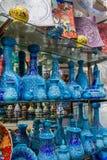 Vases colorés sur le marché grand de bazar, Istanbul Image libre de droits