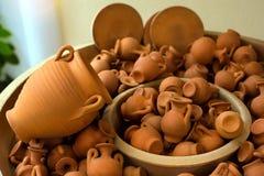 Vases, cruches et pots à argile Rethymno, Crète, Grèce Image libre de droits
