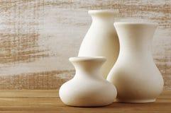 Vases en céramique non vitrés Image libre de droits