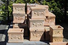 Vasi della piantatrice di terracotta Fotografia Stock