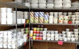 Vasi della porcellana nelle file immagini stock