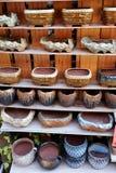 Vasi della porcellana nelle file fotografia stock