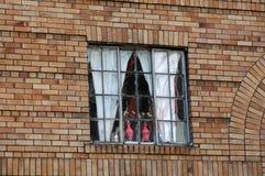 Vasi dentellare in finestra Immagini Stock Libere da Diritti