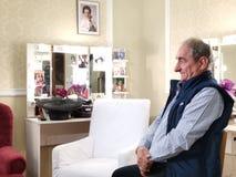 Vasile Muraru setzte in der Kabine von Stela Popescu stockfotografie