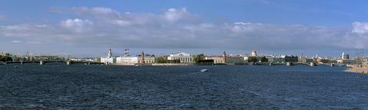 Vasilievsky海岛全景在圣彼德堡 免版税图库摄影