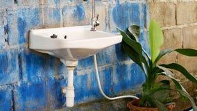 Vaskar som är gamla royaltyfria bilder