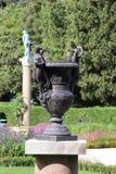 Vaso antico nel parco di Miramare in Italia Fotografie Stock Libere da Diritti