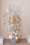 Vaso con gli ornamenti Fotografie Stock