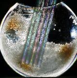 Vaso con i cristalli e le paglie fotografia stock libera da diritti