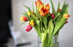 Vaso con i tulipani Fotografia Stock