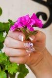 Vaso con il fiore a disposizione Fotografia Stock Libera da Diritti