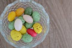 Vaso con le uova di Pasqua Fotografia Stock Libera da Diritti