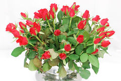 Vaso d'argento con il mazzo di rose rosse 2 Immagini Stock