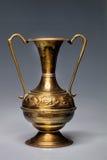 Vaso de bronze feito bonito, Tunísia Fotografia de Stock Royalty Free