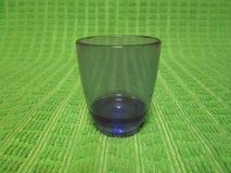 Vaso de medida púrpura por Kambas Foto de archivo